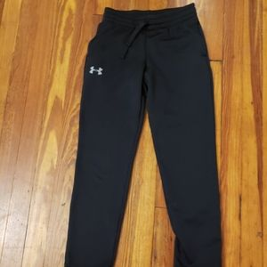 Under Armour Black Coldgear Youth Medium in excell